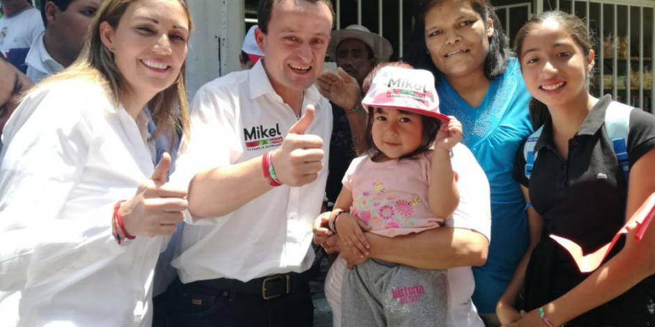 Junto a Mikel, se compromete Lolbe Peraza a llevar agua y seguridad a Iztapalapa