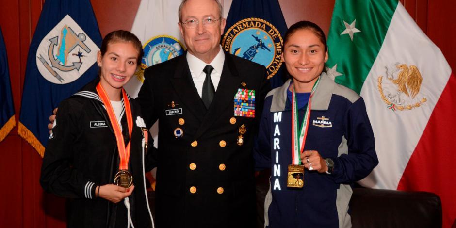Secretario de Marina recibe a atletas navales que obtuvieron medallas de oro en China