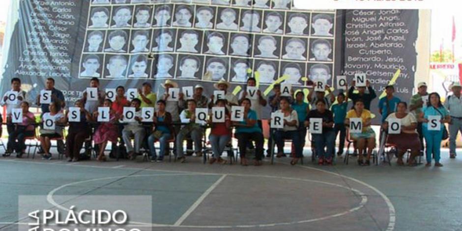 Estrena Del Toro documental sobre Ayotzinapa en la FIC Guadalajara