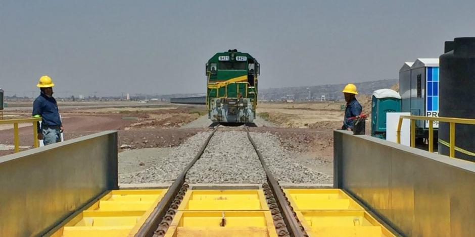 Conectan vía férrea con nuevo aeropuerto
