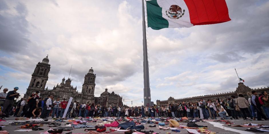 FOTOS: Marcha por los 50 años de la represión en Tlatelolco