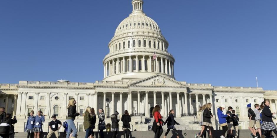 Congreso de EU aprueba presupuesto de 1.3 billones de dólares
