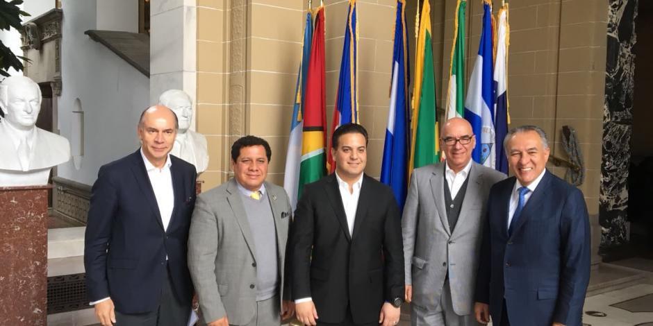 Frente lleva a OEA acusación contra PGR y pide observadores electorales