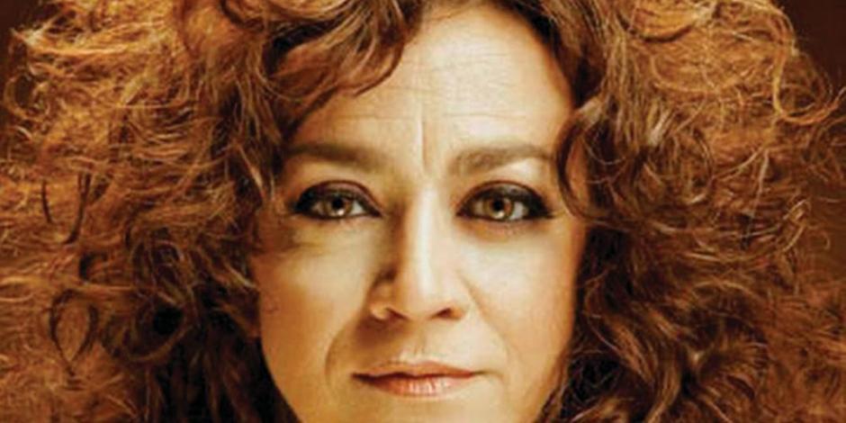 Llega a México la voz subversiva de Carmen París