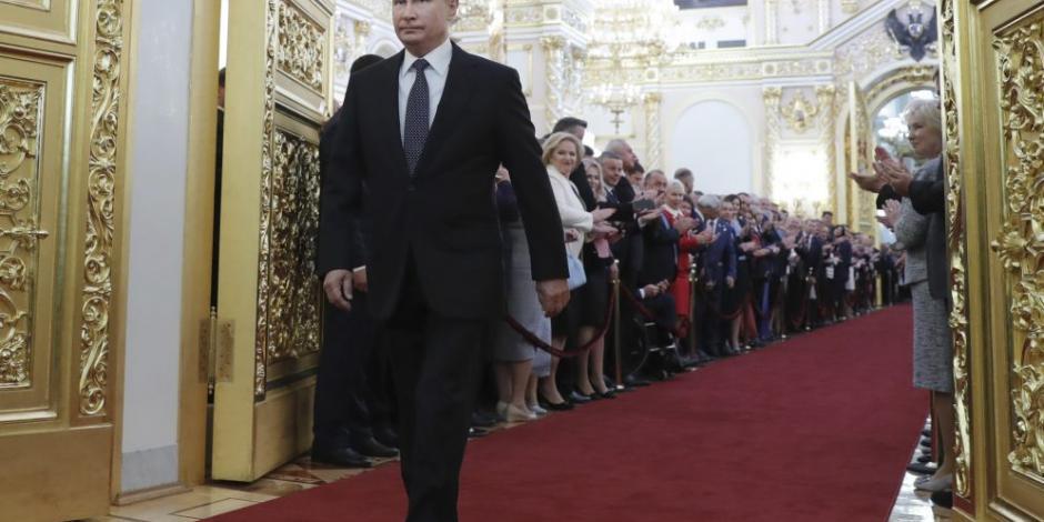 Putin jura por cuarta vez como presidente y promete mejorar economía