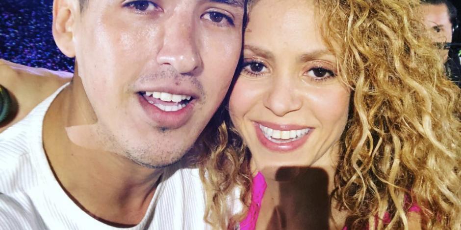 Así el fan de Shakira - que logró subirse al escenario y tomarse una selfie con la cantante ShakiraDF