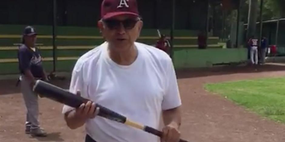 Encuestas, Venezuela y beisbol, en las redes sociales de AMLO
