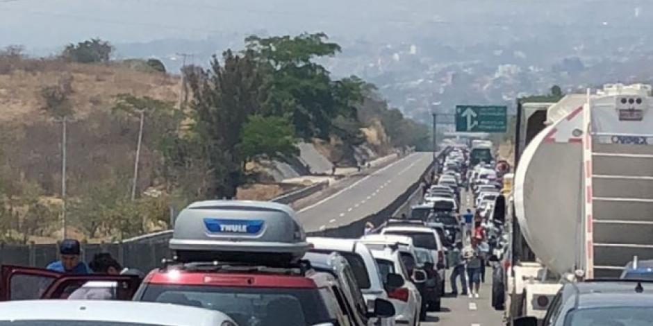Después de tres horas de bloqueos, Ceteg libera Autopista del Sol