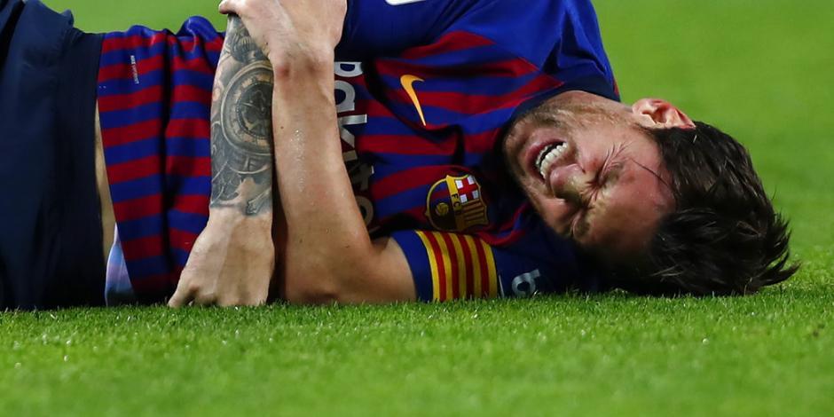 VIDEO: Messi sale del campo por lesión a una semana del Clásico