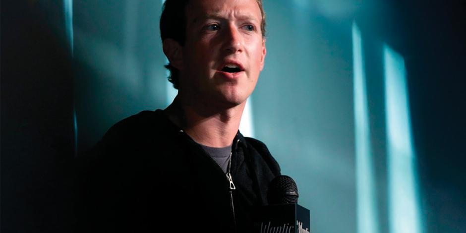 Facebook intenta frenar su caída: admite fallas