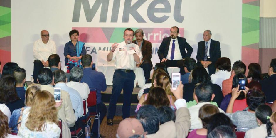 Mikel acusa de poco honestas a opositoras