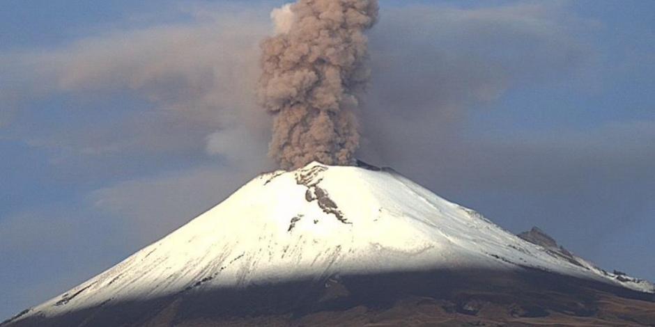 VIDEO: Popocatépetl registra explosión con alto contenido de ceniza