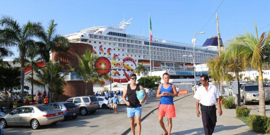 Visitan Acapulco más de dos mil 800 turistas del Crucero Norwegian Sun
