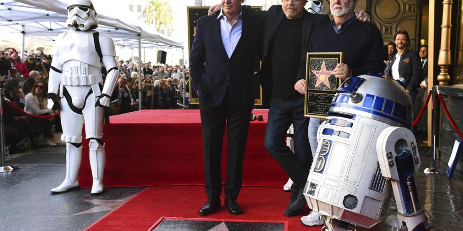 FOTOS: Luke devela su estrella en el Paseo de la Fama de Hollywood