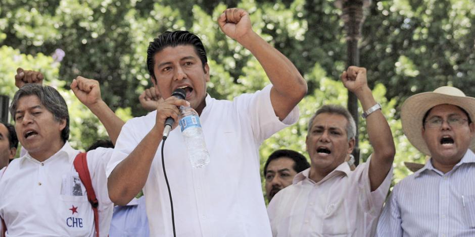 Exjefe de CNTE golpeador y que cobraba sueldo sin dar clases va para diputado