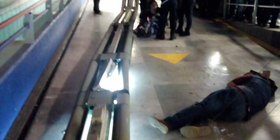 Caída de lámparas en Metro Garibaldi deja dos lesionados