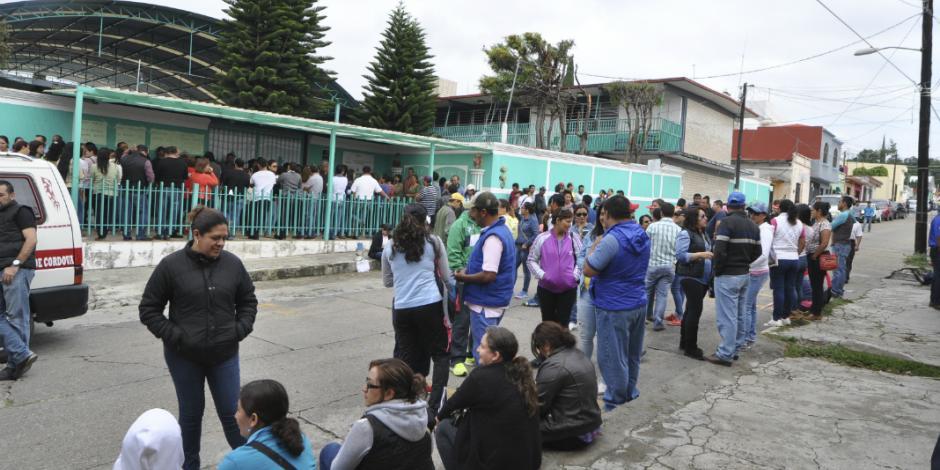 Padres de familia en Oaxaca dicen sí a reforma educativa y no a AMLO