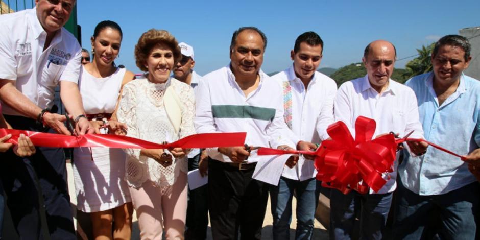 Inaugura Héctor Astudillo la primera playa incluyente de Guerrero