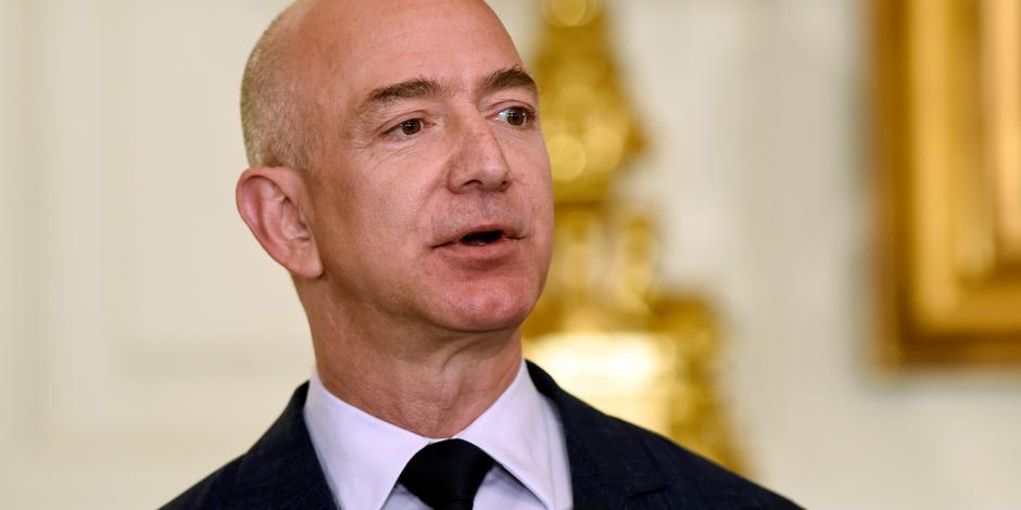 Jeff Bezos, fundador de Amazon, es el hombre más rico de la historia reciente