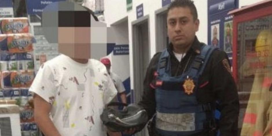 Policía de la CDMX encuentra 110 mil pesos y los devuelve a su dueño
