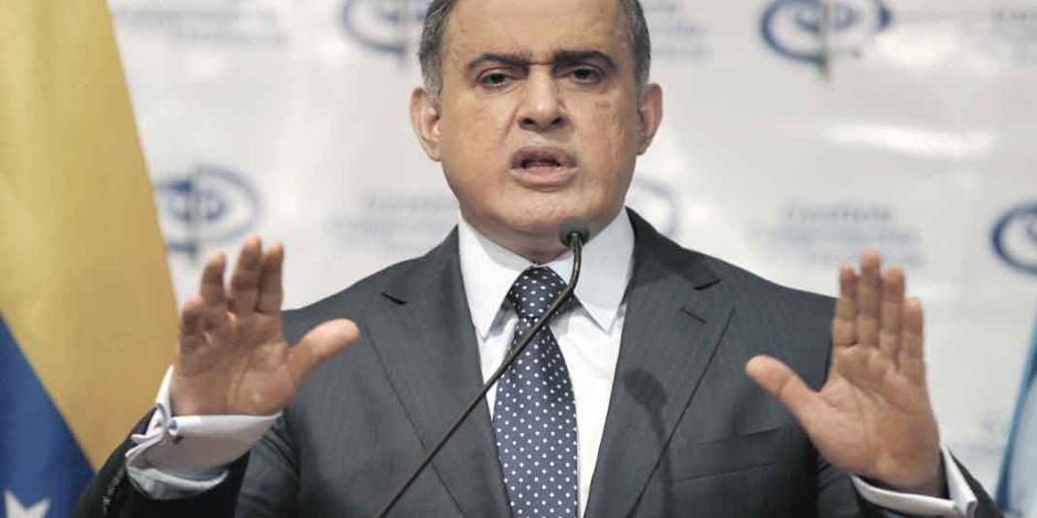 Fiscal chavista admite desfalco por el cual fue acusado Maduro
