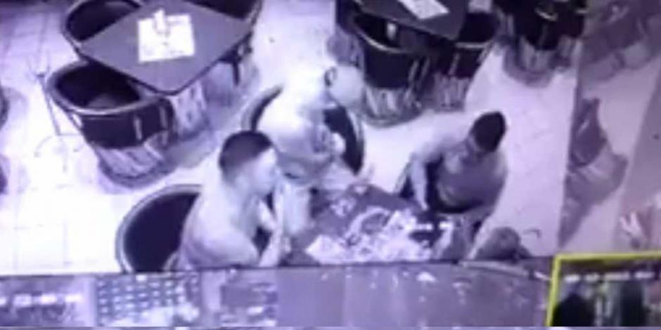 VIDEO: Balacera en bar deja 5 muertos en Guanajuato