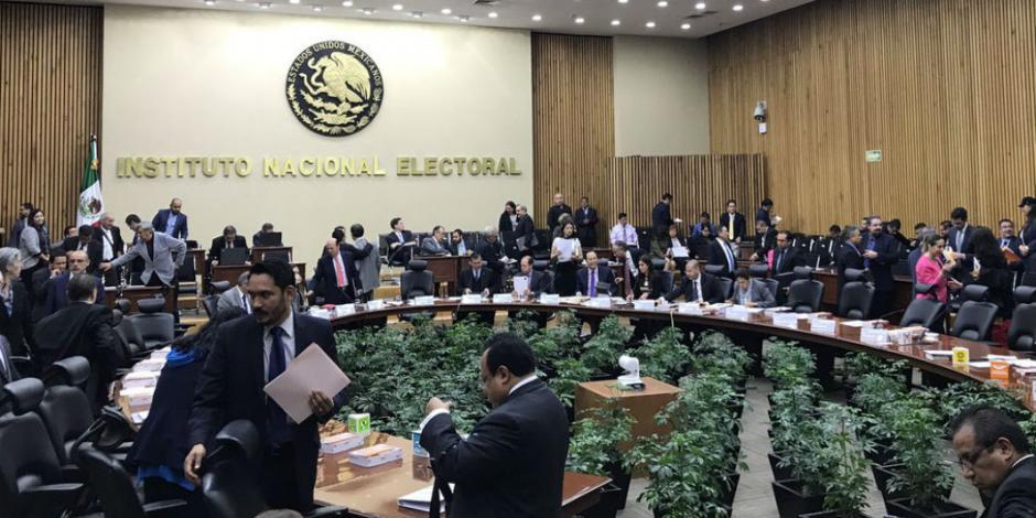 Designa INE a 53 consejeros para elecciones del 2018