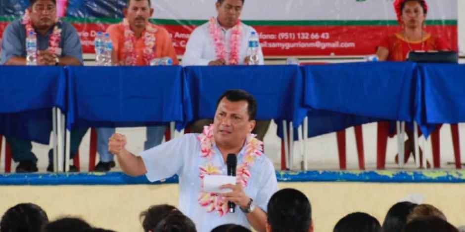 Samuel Gurrión refrenda compromiso con familias oaxaqueñas