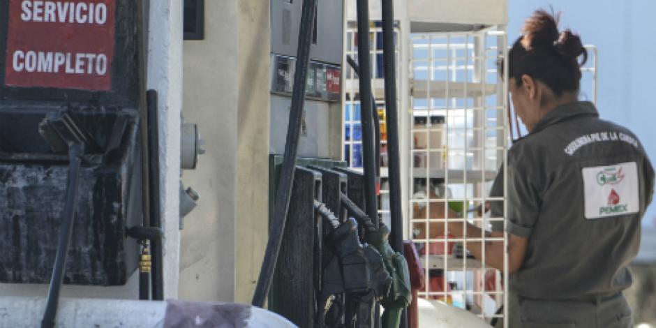 Precios de gasolinas se mantienen este jueves