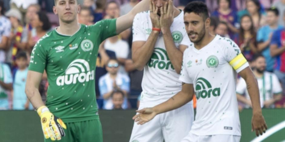 Barcelona vence 5-0 al Chapecoense en homenaje a víctimas