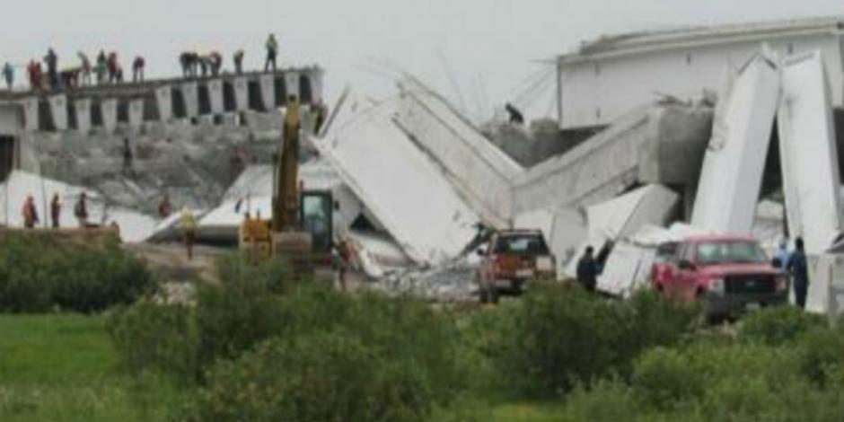 VIDEO: Cae puente que lleva al NAICM por sismo
