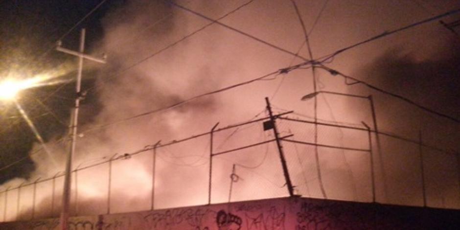 Incendio en basurero de Monterrey es controlado, informa Protección Civil
