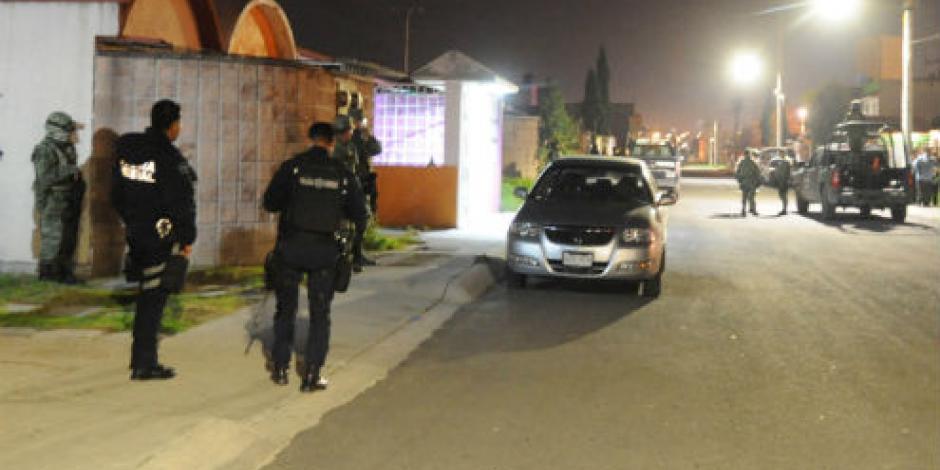Asesinan a 2 mujeres y un niño en Tecámac; vecinos enardecen contra supuesto homicida