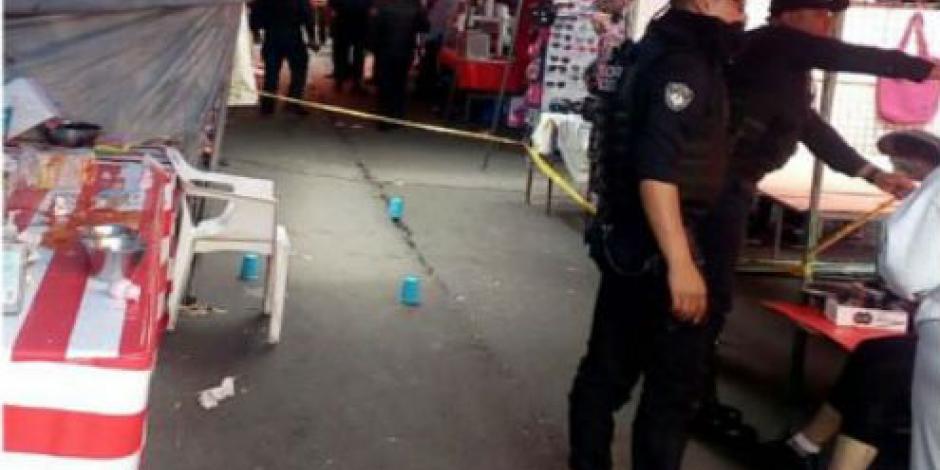 Doble homicidio tras balacera en mercado de Iztapalapa; menor herido