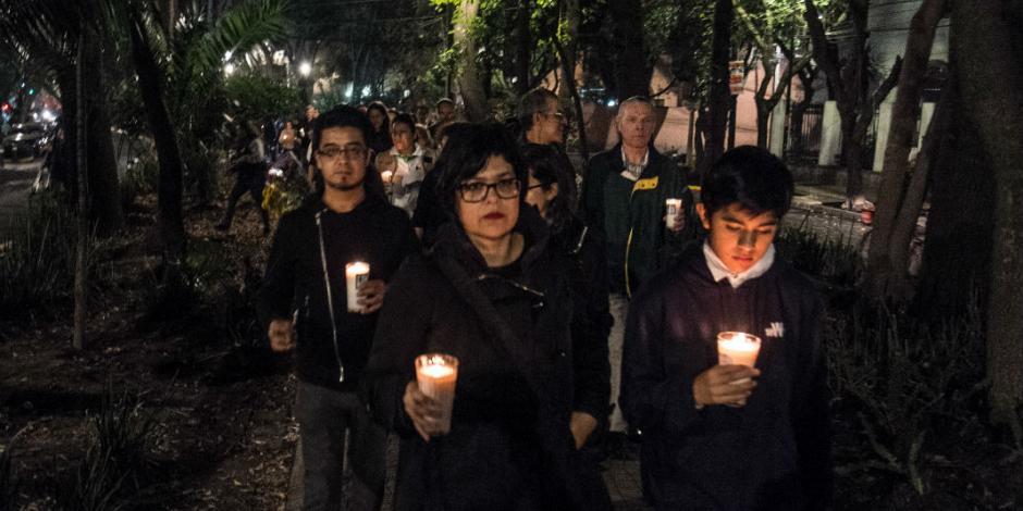 Recuerdan a víctimas del sismo en primer Día de Muertos sin ellas