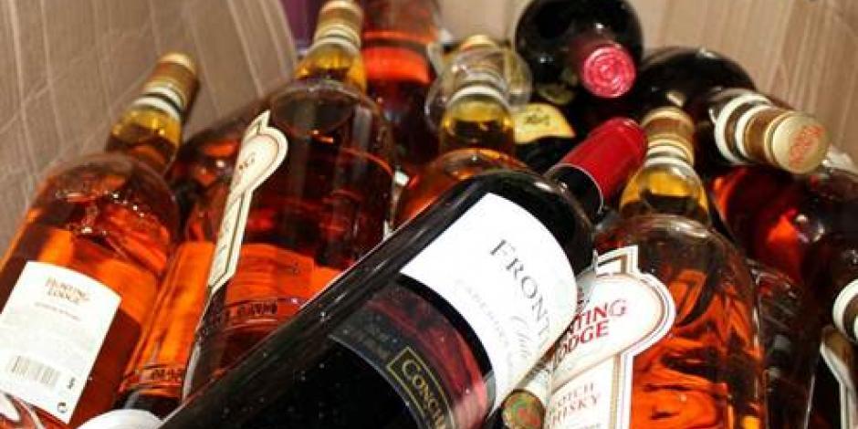 Cofepris decomisa más de 40 mil litros de bebidas alcohólicas adulteradas en Quintana Roo