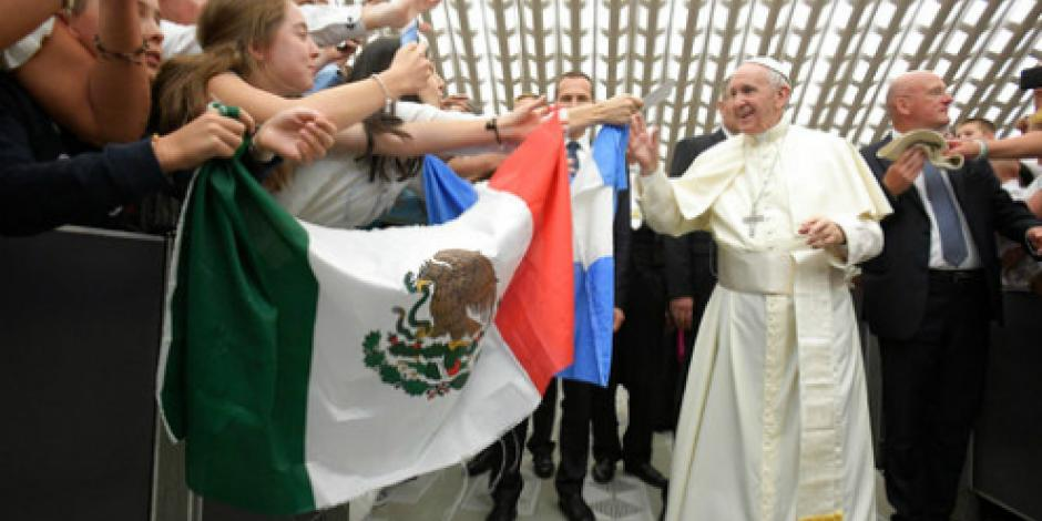 Papa reza por las víctimas del terremoto de Ischia, Italia
