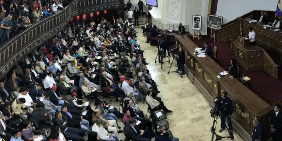 """Ven """"traición a la patria"""" de opositores en Venezuela"""