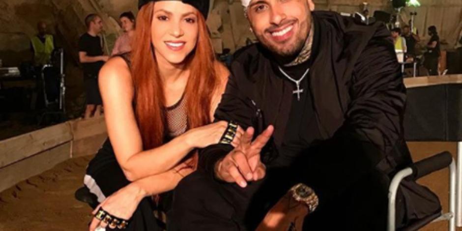 Shakira cambia de look, ahora es ¡pelirroja!