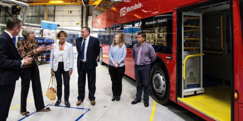 Premier británica presume convenio con Metrobús de la CDMX