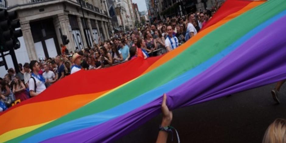 Celebran miles de personas marcha Gay en Londres