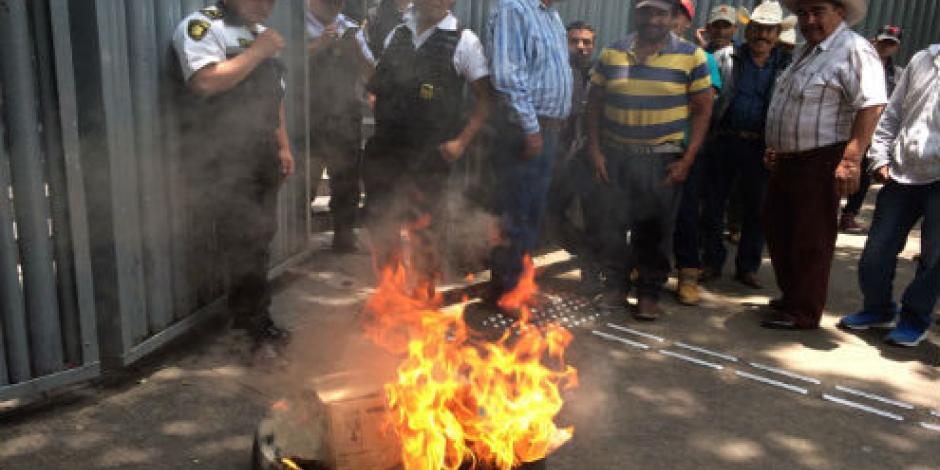 Manifestantes complican circulación en la capital