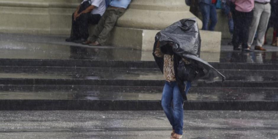 Persisten lluvias en todo el país por onda tropical 14, informa SMN