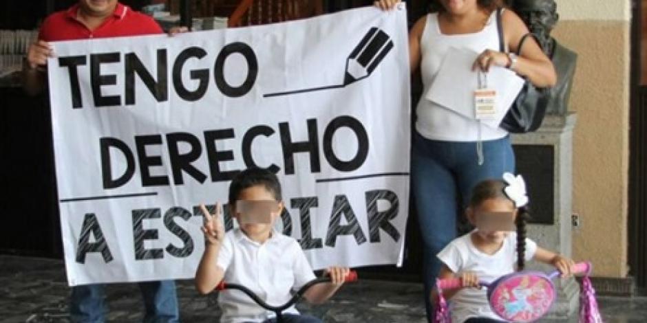 Demandan al ISSET Tabasco por negar la afiliación a un menor  de edad