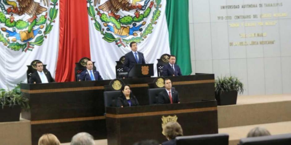 Entrega gobernador primer informe ante el Congreso de Tamaulipas