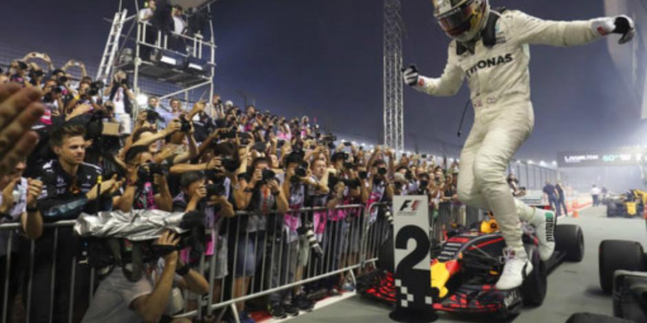 Hamilton triunfa en GP; <em>Checo</em> llega quinto