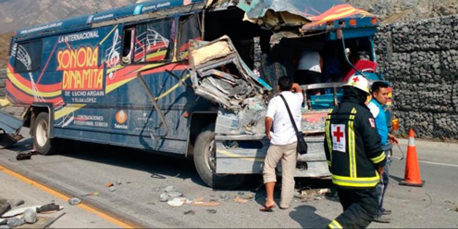 VIDEO: Choca camión de la agrupación Sonora Dinamita