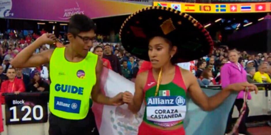 EPN felicita a Laura Coraza por su presea de oro en los 800 metros