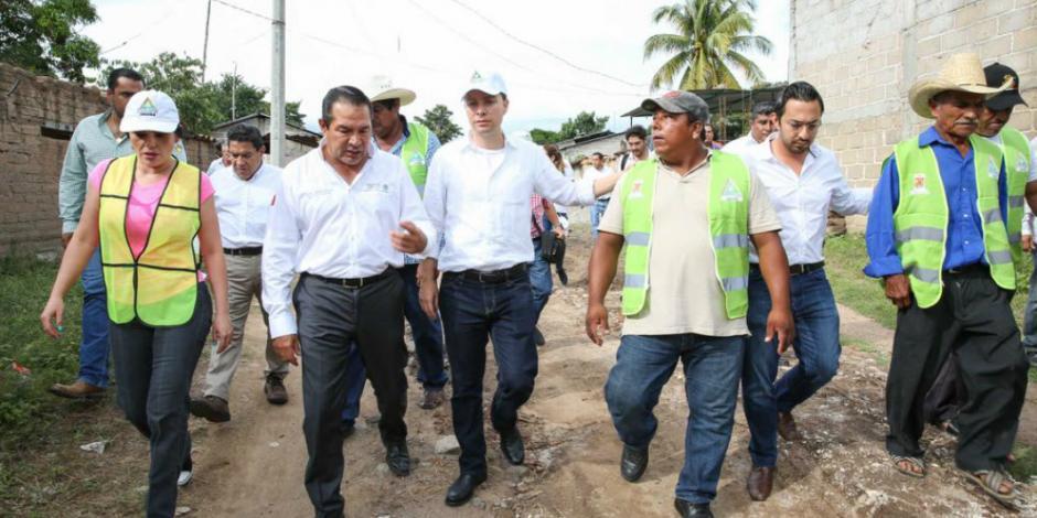 Entregan 68 toneladas de apoyo a damnificados en Chiapas