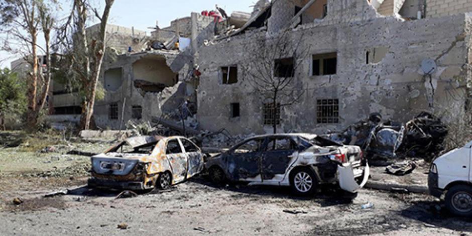 Suman 21 muertos por explosión de coche bomba en Siria